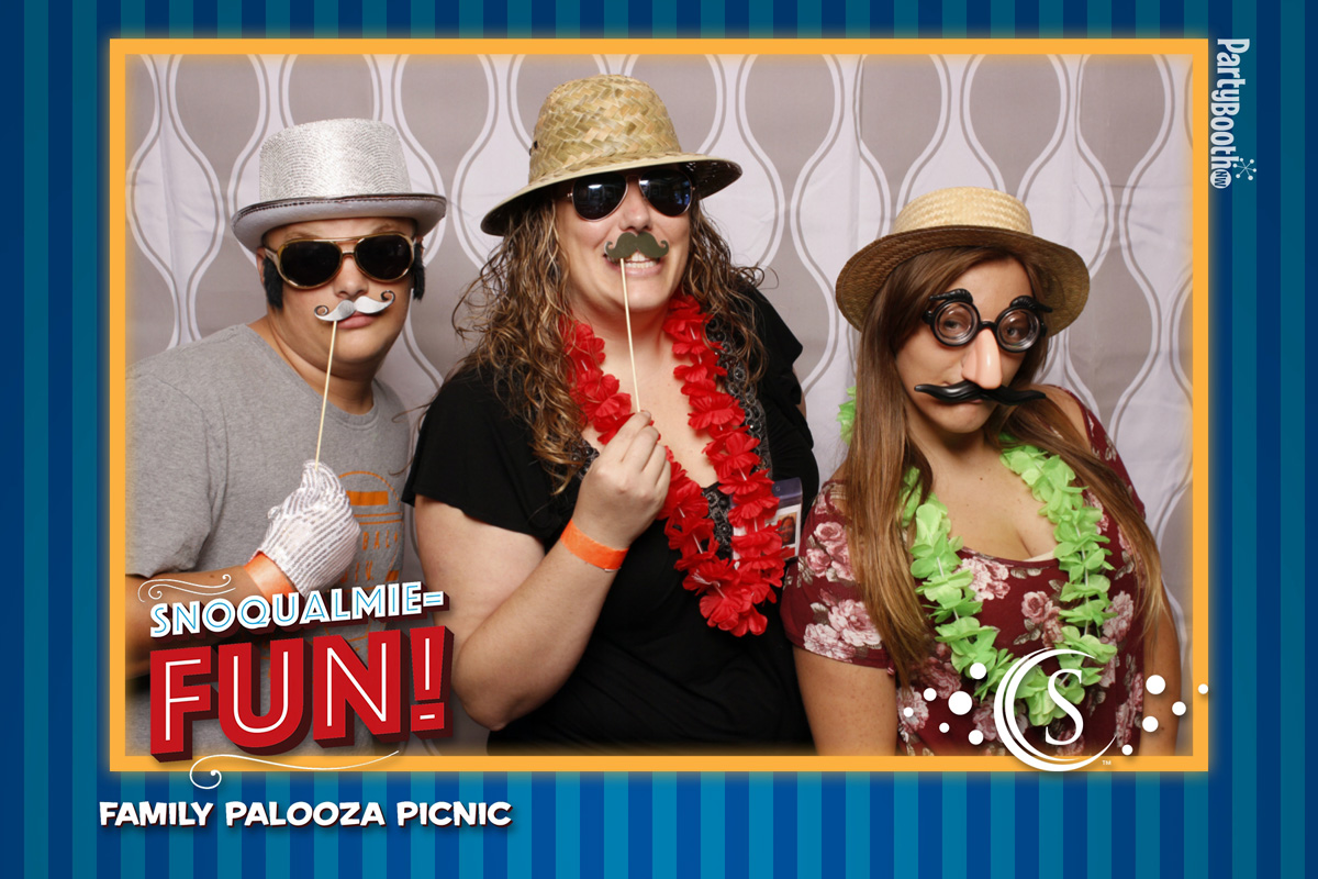 Welcome to the FamilyPalooza Picnic at Snoqualmie Casino! Put on by the ACE Committee, a good time was had by all. Tonight We PartyBooth! Seattle Photo Booth ©2016 PartyBoothNW.com
